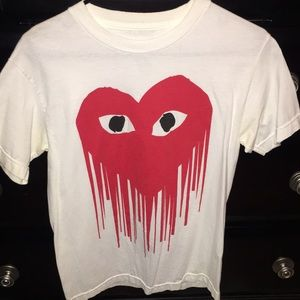 Premium label dripping heart t shirt size small